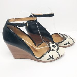 Jack Rogers Clare Wedge Sandals in Black & Ivory